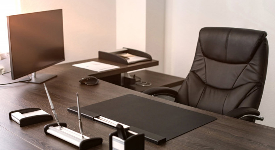 Кресло директора — в чем отличие от обычных кресел?