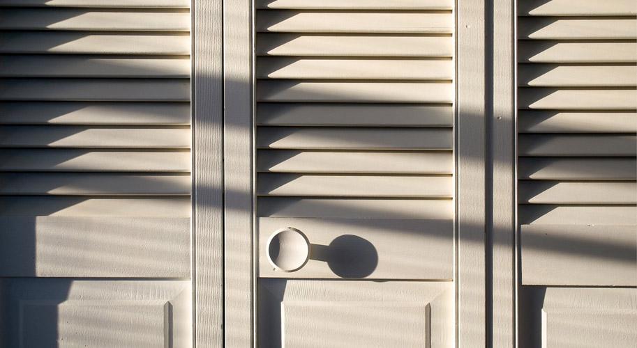 Шкаф-купе или распашной шкаф — что выбрать?