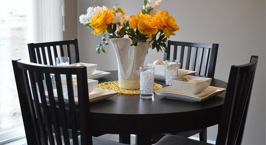 Как выбрать стол на кухню — размеры, материалы, советы